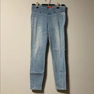 Guess jeggings.